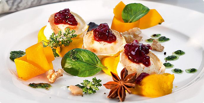 Winterlicher Salat mit Ziegenkäse