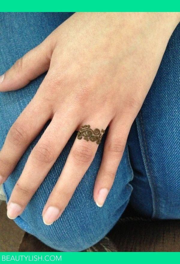 Henna Tatoo Ring On The Ring Finger Finger Henna Ring Tattoo