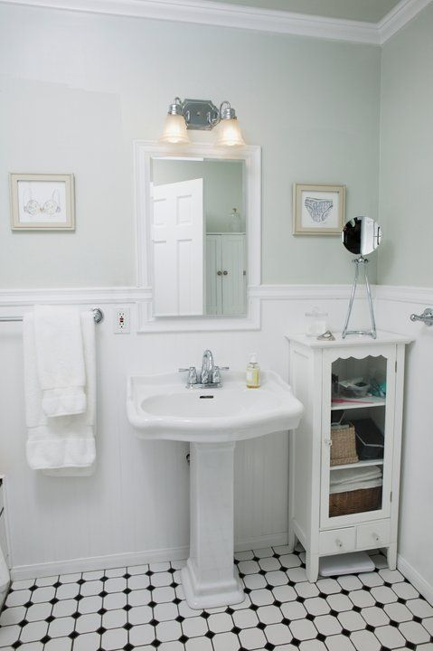 Decorating Retro Style Feel To This Otherwise Modern Bathroom