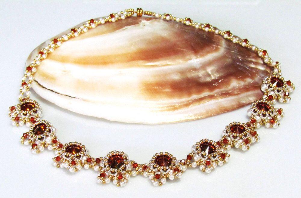 Tutorial di ROYALTY collana perline perline PDF esclusivamente per uso personale di bead4me su Etsy https://www.etsy.com/it/listing/93822179/tutorial-di-royalty-collana-perline