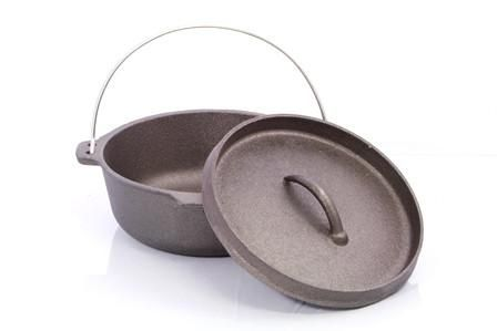 13cm CampBlaze   Cast Iron 9.5QT Oval Camp Oven with Lipped Lid
