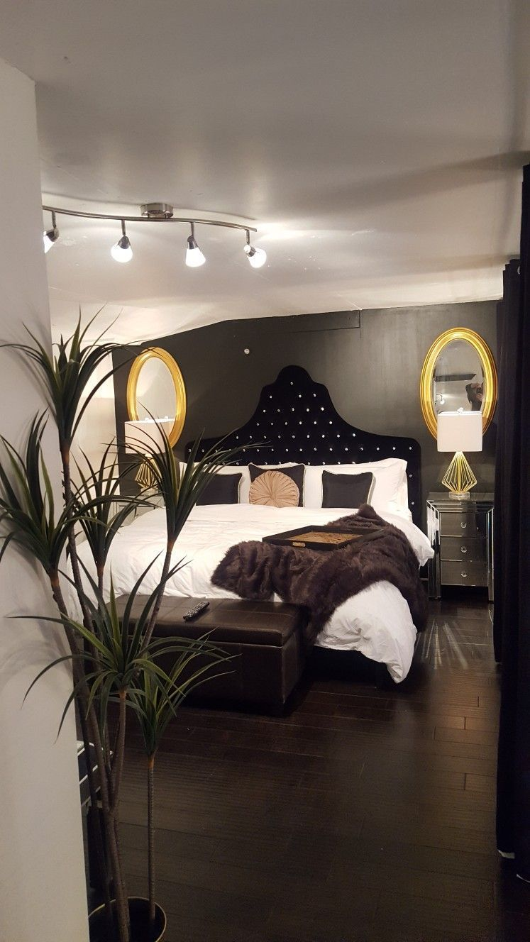 Black White And Gold Bedroom Luxury Bedroom Black White And Gold Luxurybedroomsblack Room