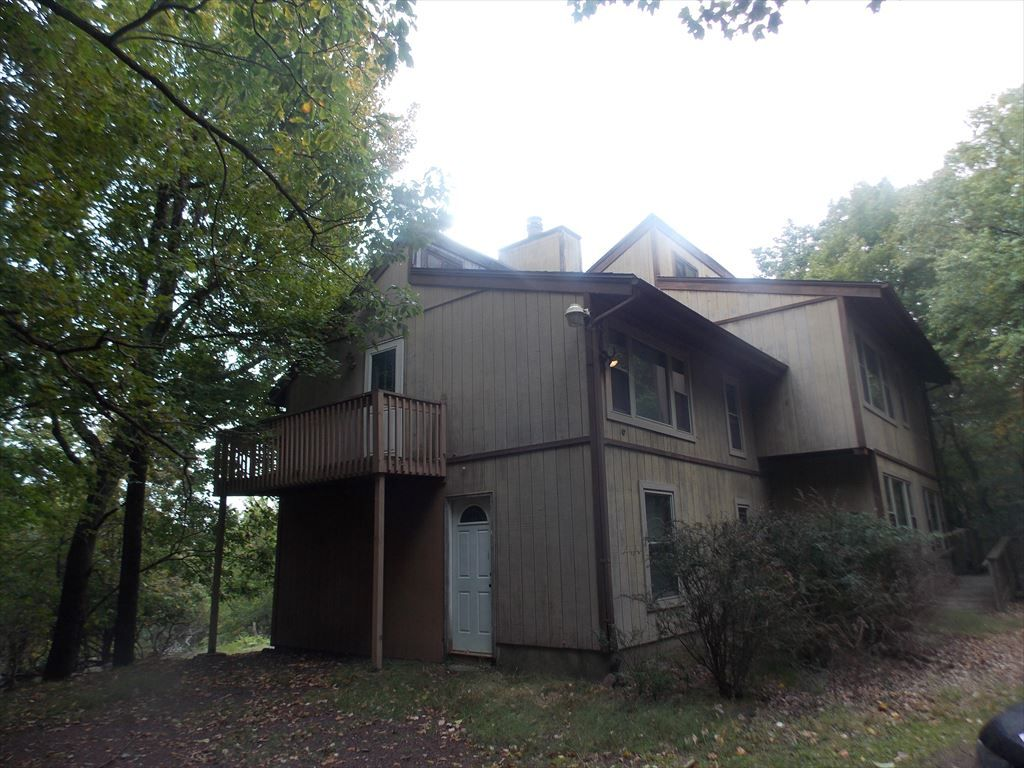 Check out this vacation rental in lake harmony estates