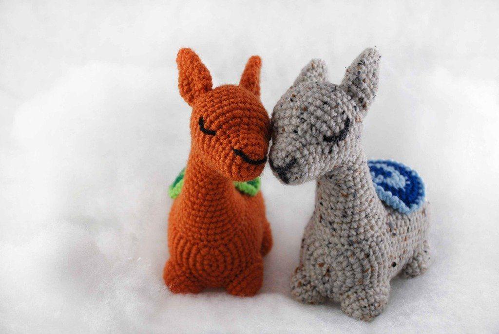 Crochet Llama Pattern - thefriendlyredfox.com   686x1024