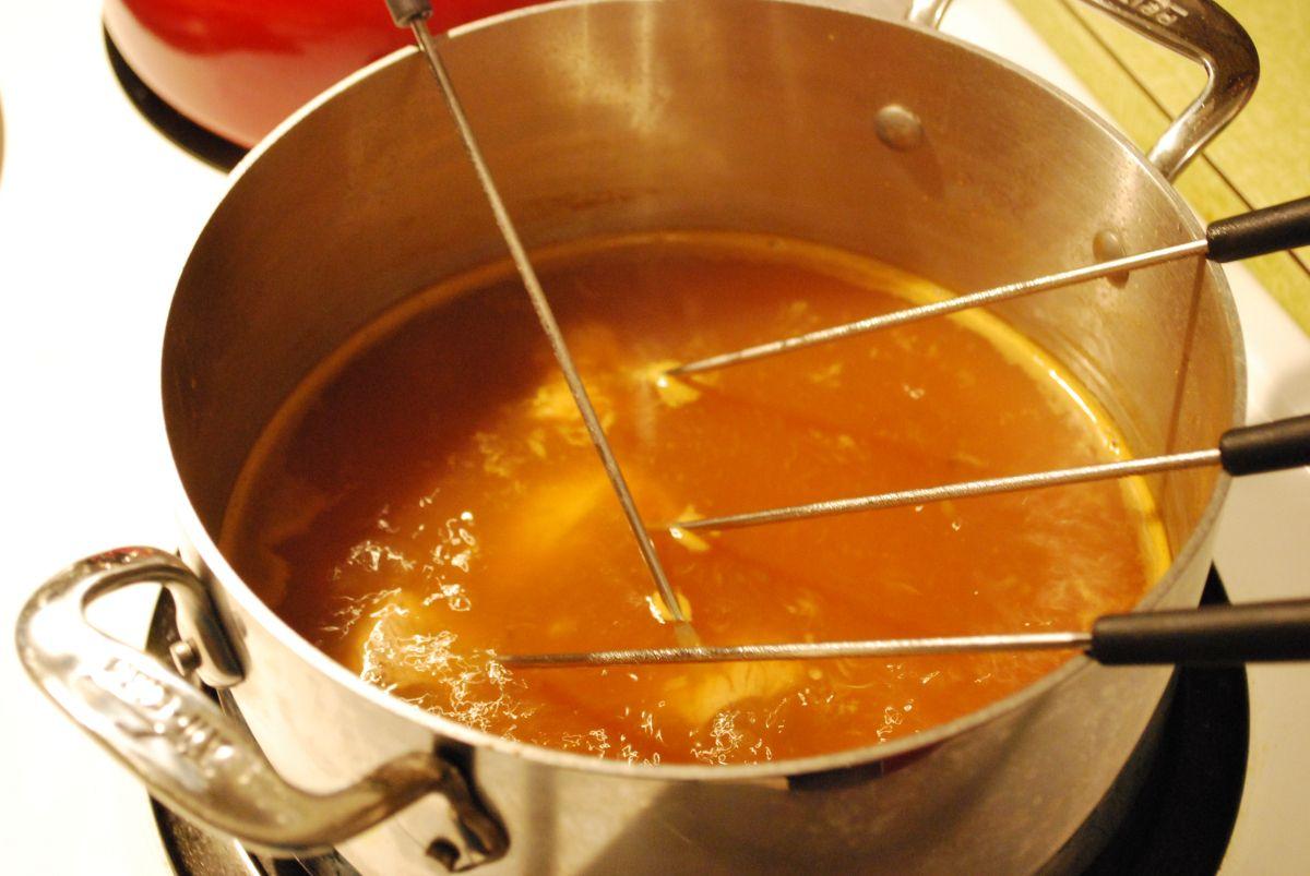 Fondue Night!!  Recipes from the Melting Pot #fondue
