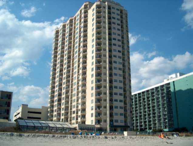 The Palace 599 Hoa Myrtle Beach Area Southern Limi 2 Bedrooms 2 Bathrooms Condo For Sale In Myrtle Beach Sc Sc Beaches Myrtle Beach Myrtle Beach Area