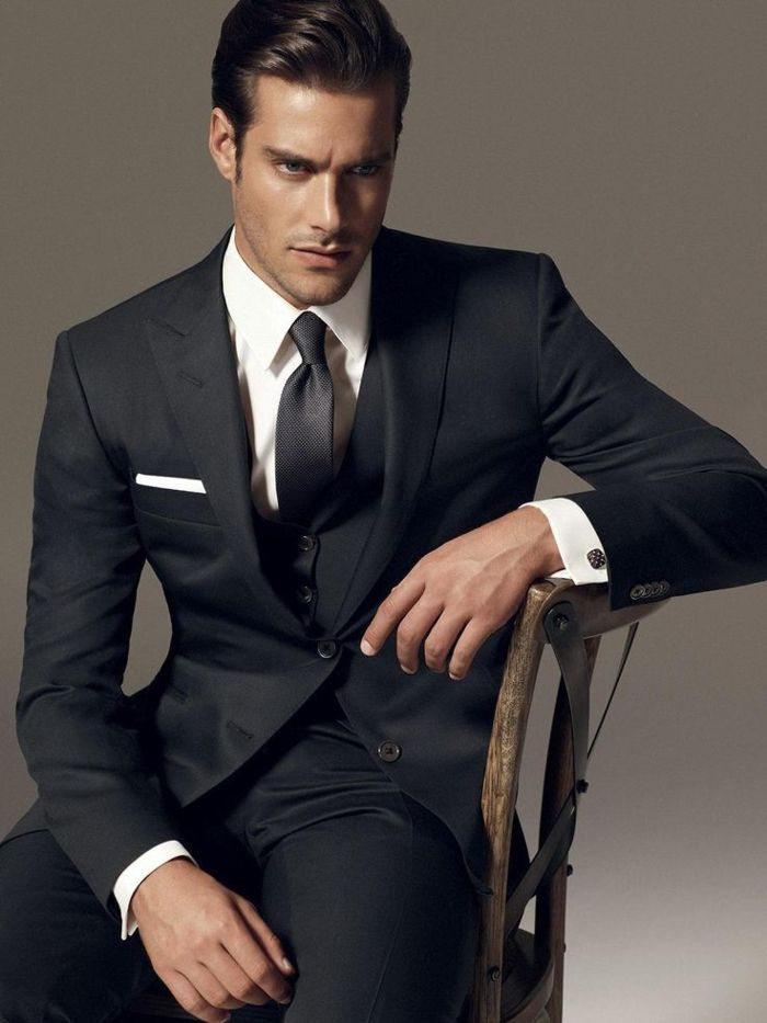 le costume gris anthracite homme en 40 photos costume gris meilleurs costumes et homme moderne. Black Bedroom Furniture Sets. Home Design Ideas