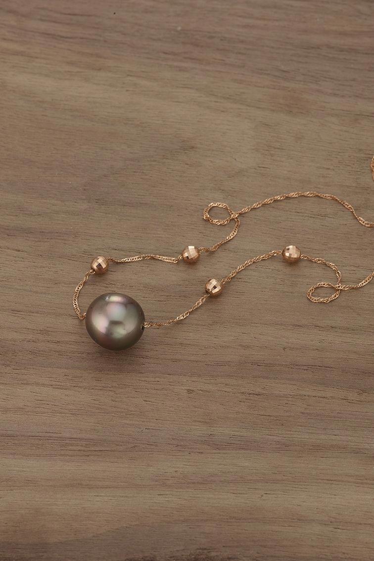 078a15170d6cb A cultured Tahitian pearl + a rose gold chain = a gorgeous ...
