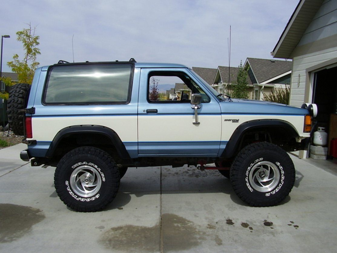 Ford Bronco Ii 4x4 Images 1 From 10 Ford Bronco Bronco Ii Ford