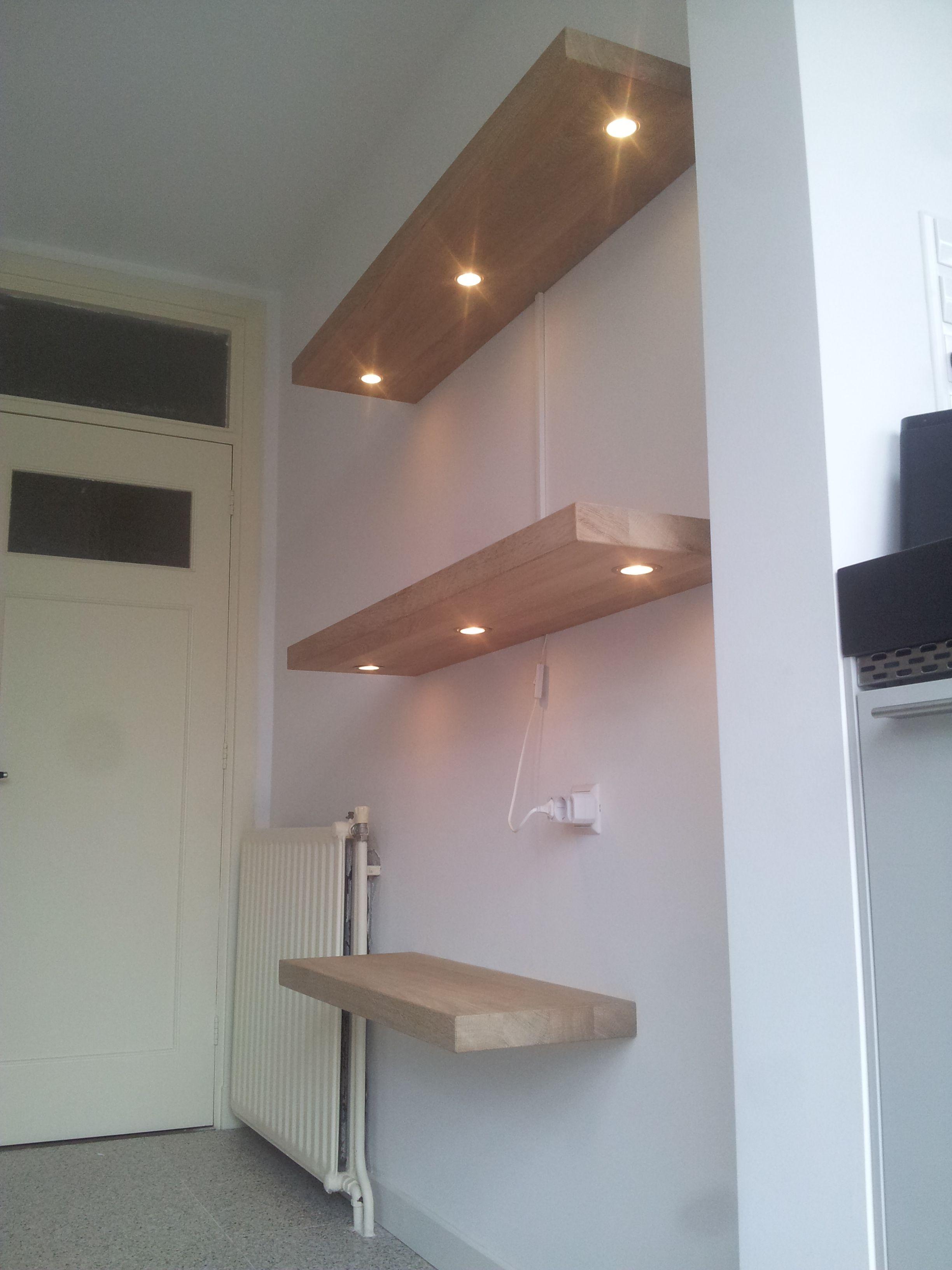 Door-Decosier-op-maat-gemaakte-eiken-wandplanken-met-verlichting ...