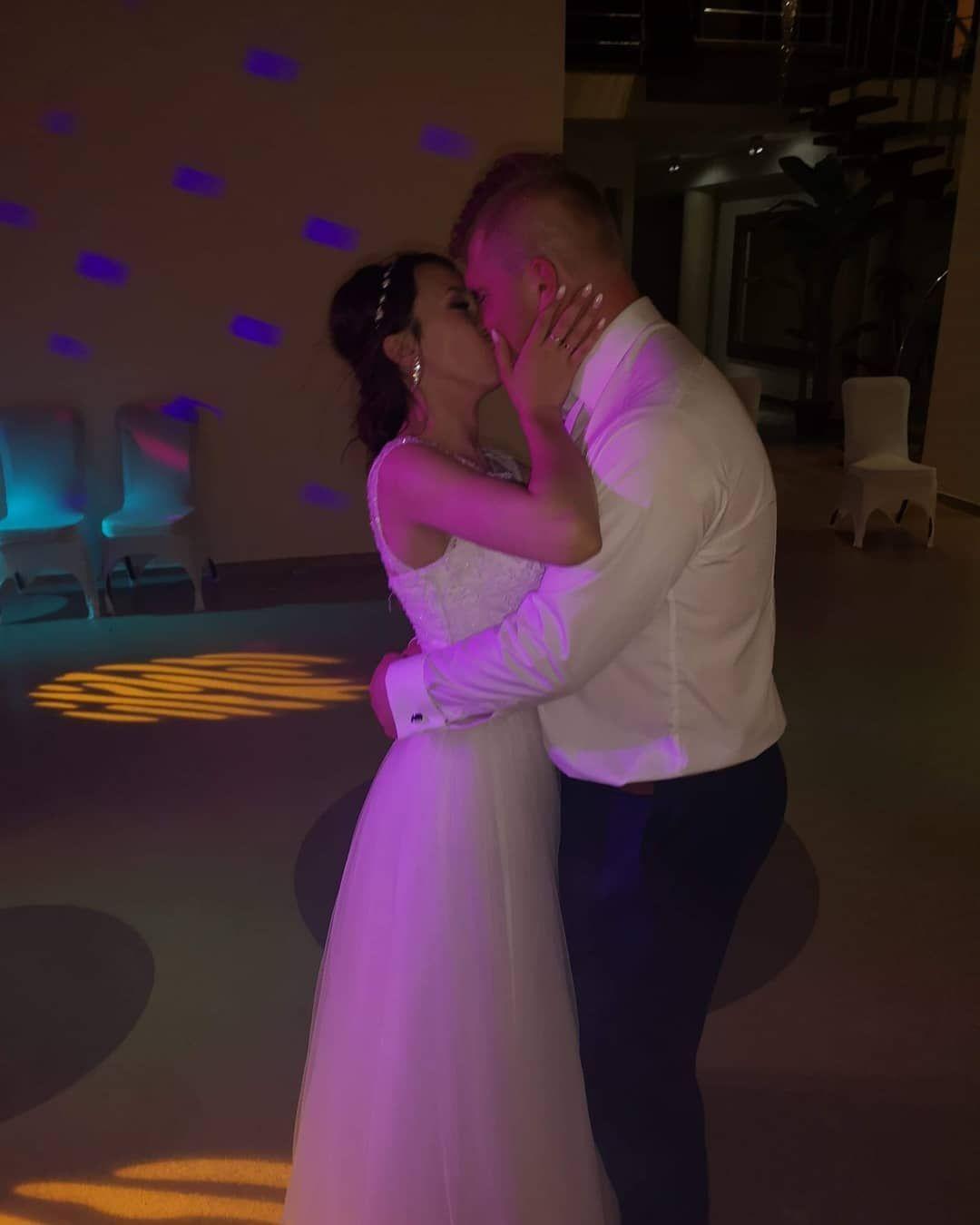 Przetanczyc Z Toba Chce Cala Noc Wedding Weedingday Husbands Wifey Marriedlife Marriedcouples Nightlife Dance Weeding Wifey Formal Dresses Prom