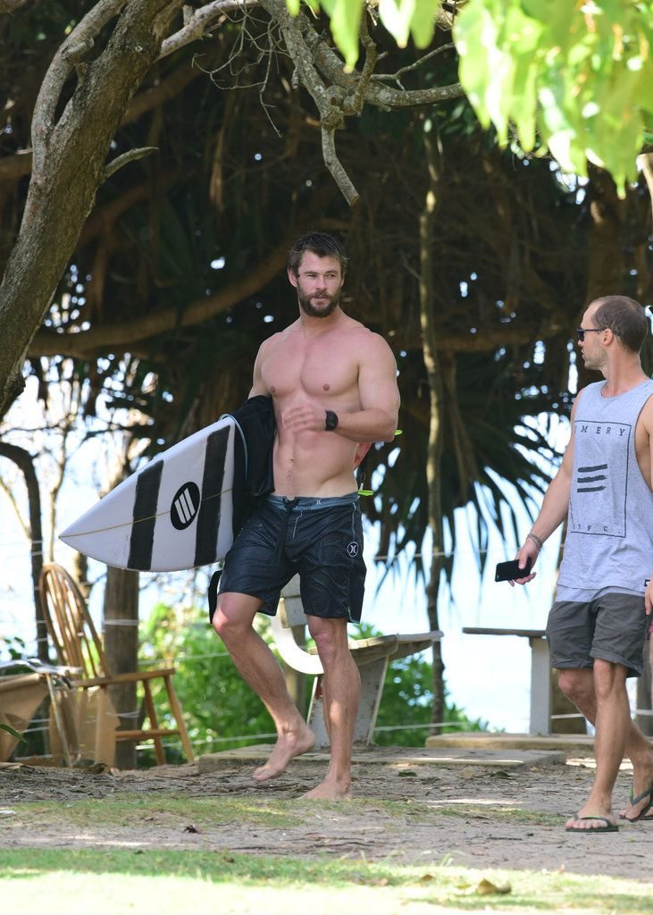 Chris Hemsworth Shirtless in Australia April 2016 | POPSUGAR Celebrity