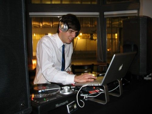 Empire Entertainment offers good services of #wedding #dj in very reasonable price. More Detail: http://www.empireentertainment.ca/reception-dj-services/