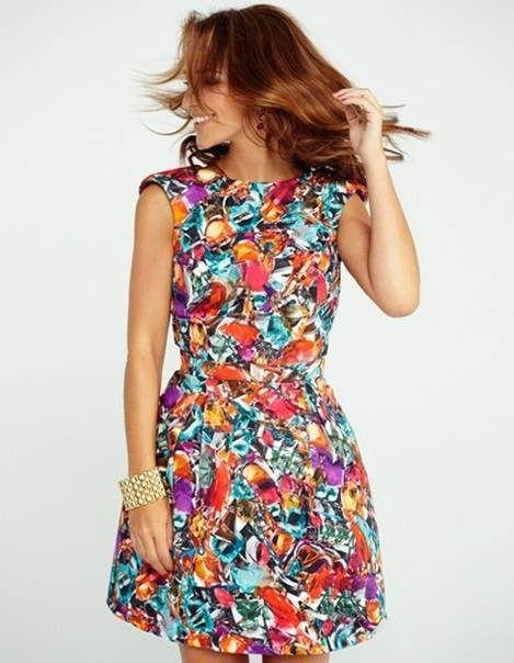 Vestidos estampados de flores de moda