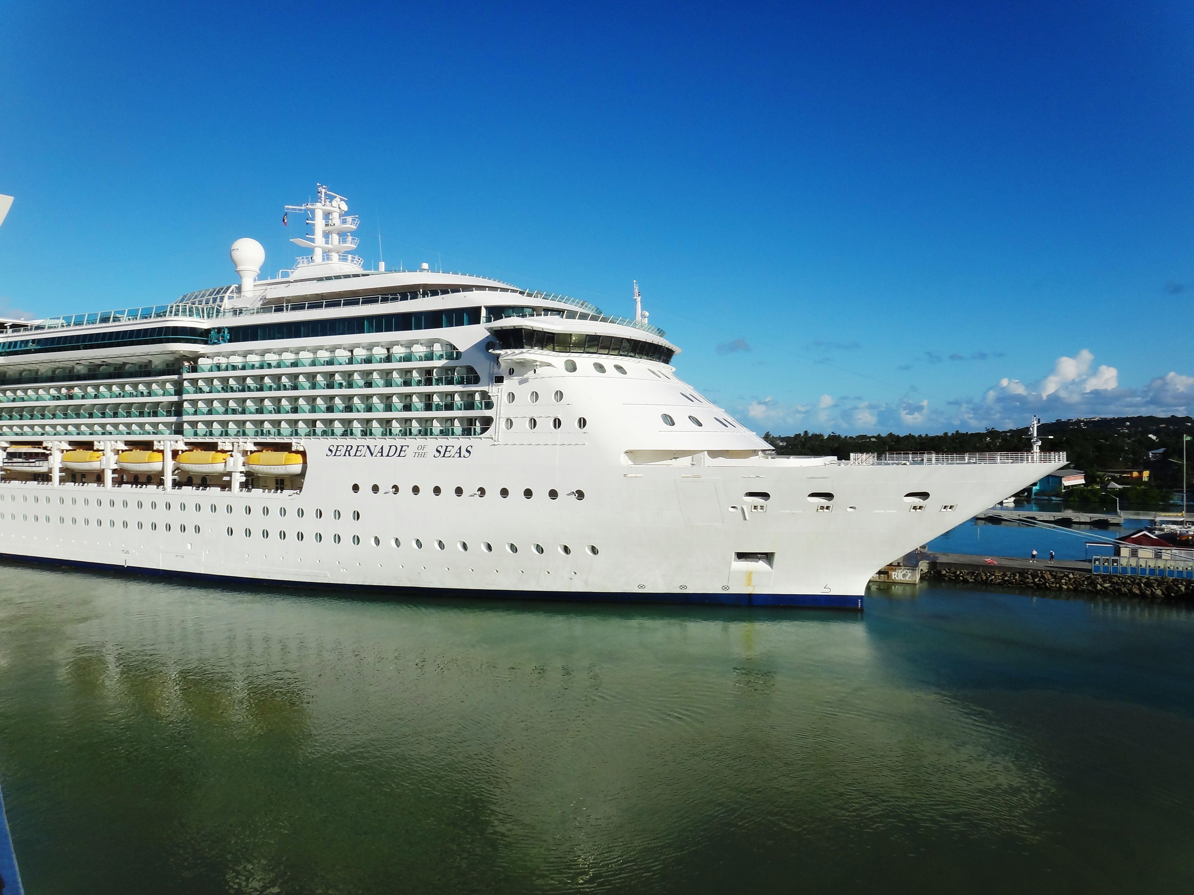 royal caribbean 39 s cruise ship serenade of the seas
