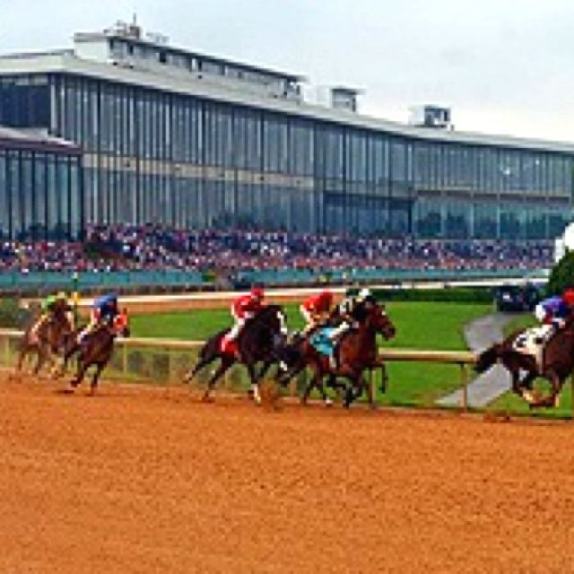 Oaklawn Park Hot Springs Arkansas Love Watching The Ponies Run Here Hot Springs Hot Springs Arkansas Horse Racing