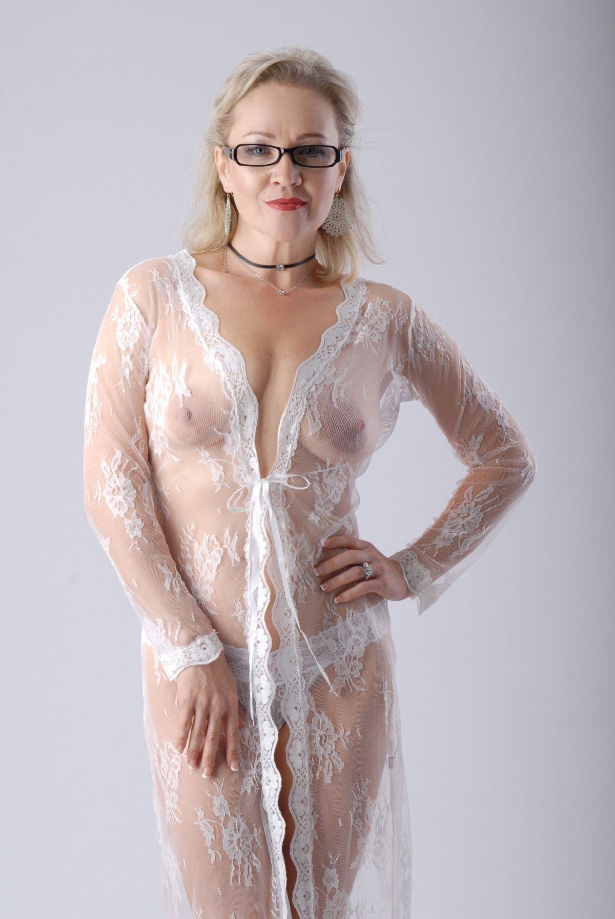 Amateur bridget nude naked