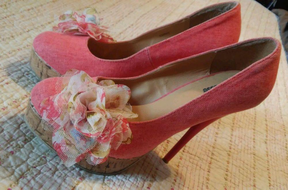 Charlotte Russe Size 7 Platform High Heels w/ Flower Detail #CharlotteRusse #PlatformsWedges