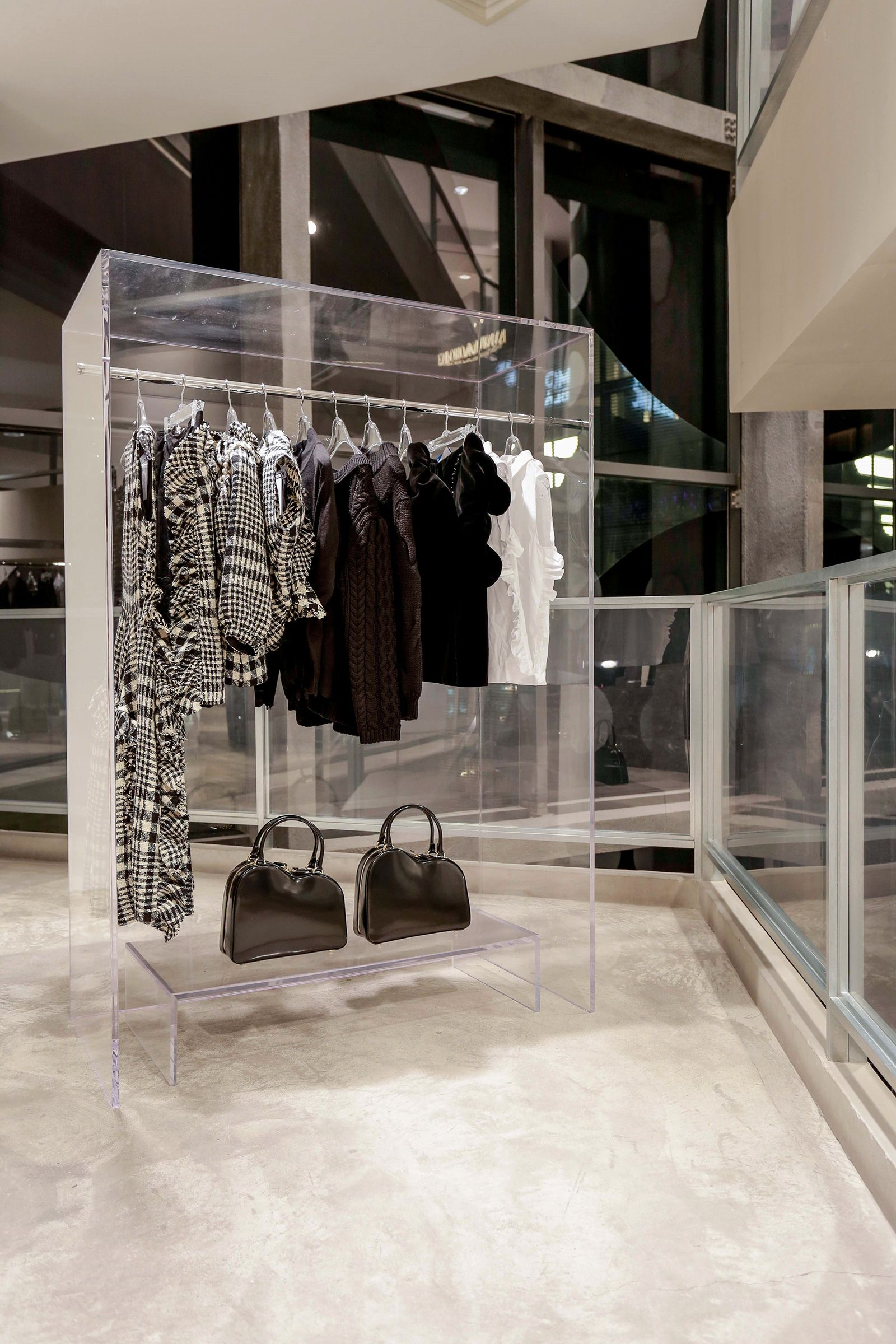 Dover street market store new york city retail design blog - New Spaces At I T Beijing Market Beijing Doverstreetmarket Com Dover Street Marketretail Shopshop Interiorsbeijing Chinadoversretail Design
