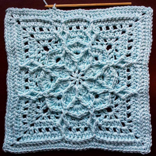 Lucky Thirteen Granny pattern by Mad Mad me | La abuela, Cuadrados y ...