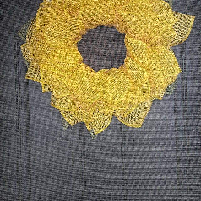 Photo of Kränze für Haustür, Sonnenblumenkranz, Herbstkranz, Sackleinenkranz, Haustürkranz, Kränze, Kranz, Herbstkranz, Sonnenblumendekor,