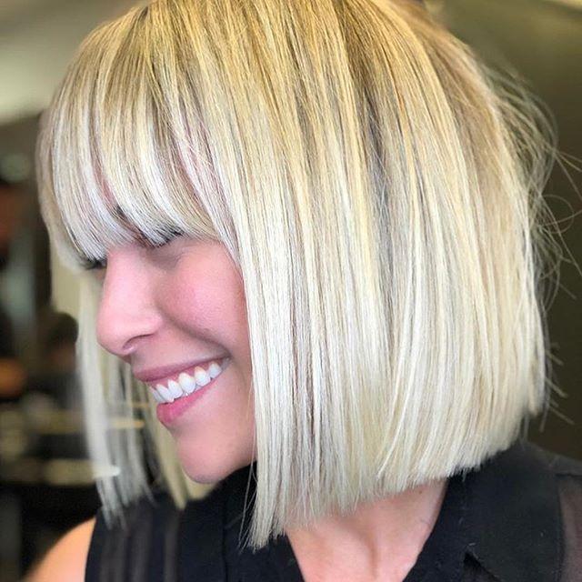 Die 64 Schmeichelhaftesten Bob Frisuren Stufig Mittellang In 2020 Bob Hairstyles Hair Styles Long Hair Styles