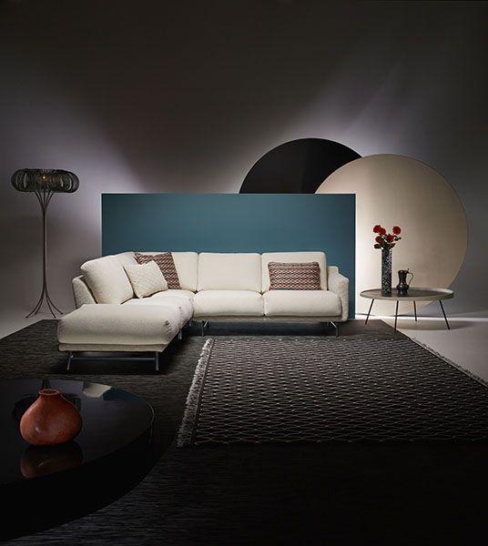Eine Zeitlose Geschichte Uber Elegantes Design Und Raffinierte Klasse Die Geschichte Von Azzurro Liest Sich W Decor Interior Design Furniture Design Furniture