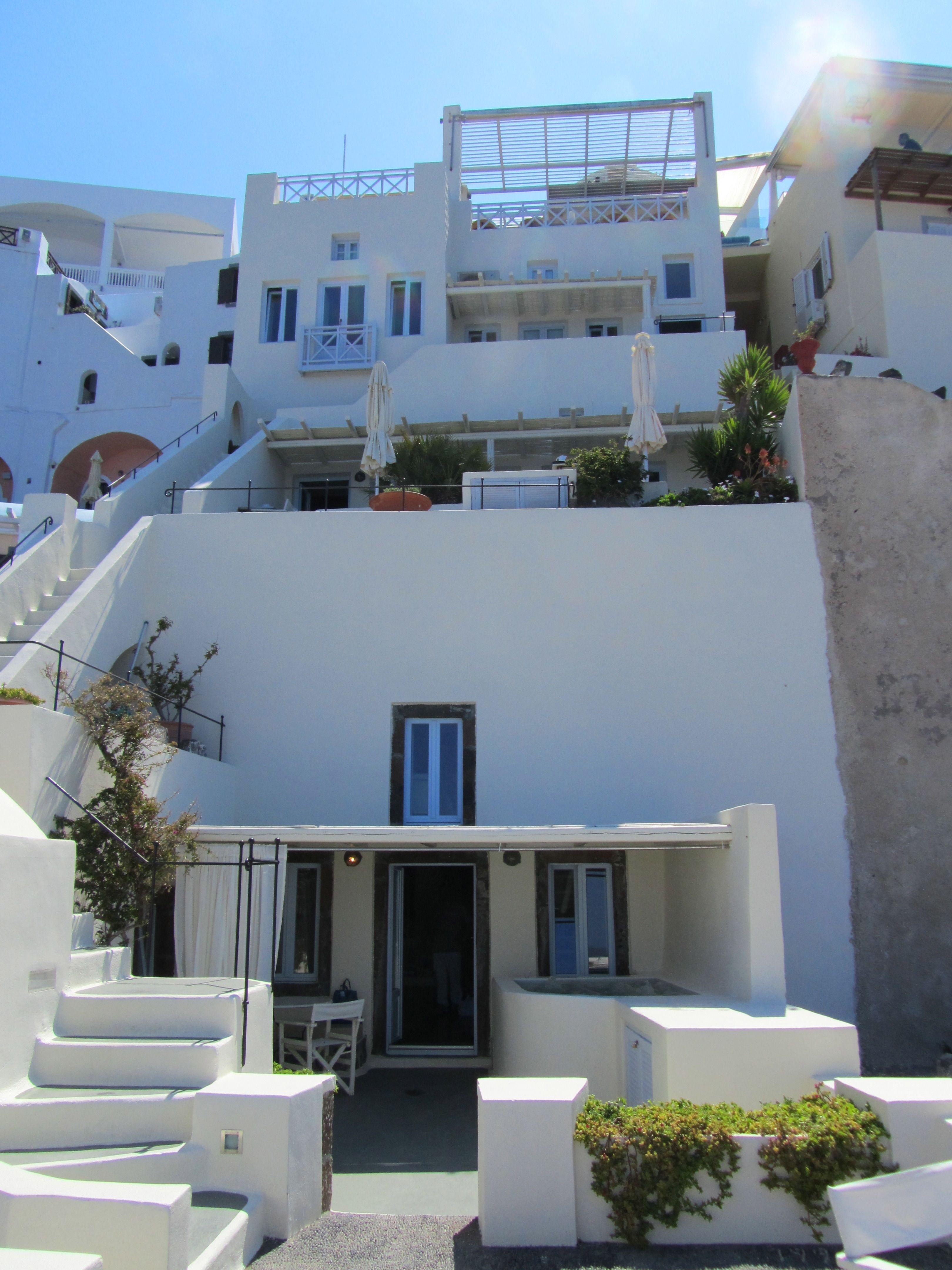 Enigma Apartment and Suites in Santorini