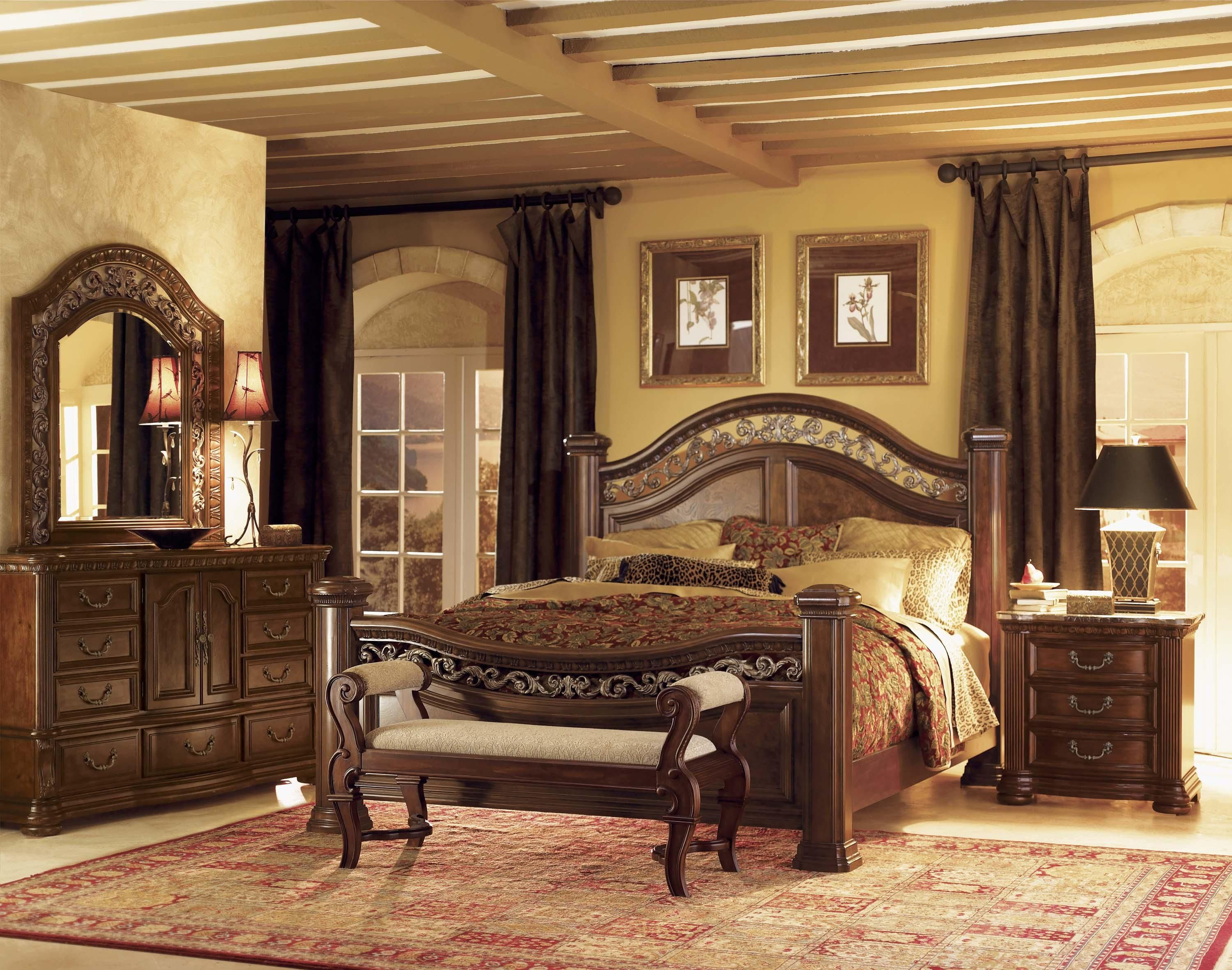 Wynwood Granada King Mansion Bed With Wrought Iron Accents