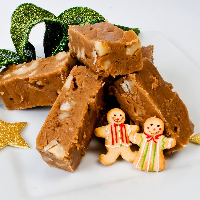 Dreamy Creamy Gingerbread Fudge: Two Ways    http://thelunacafe.com/dreamy-creamy-gingerbread-fudge-two-ways/