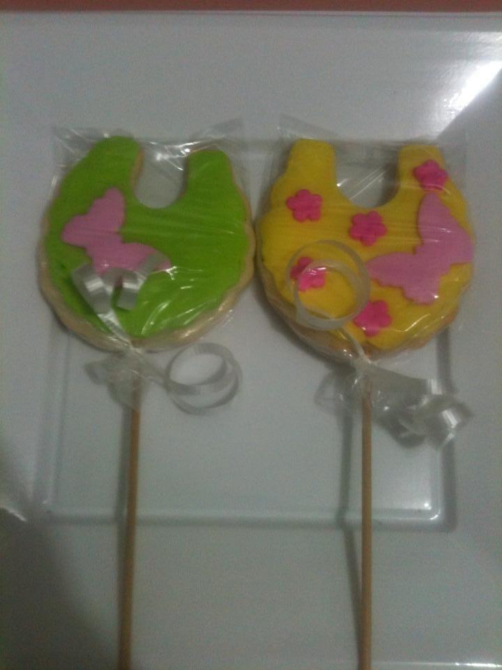 Baby bibs cookies by Dulce Galeria