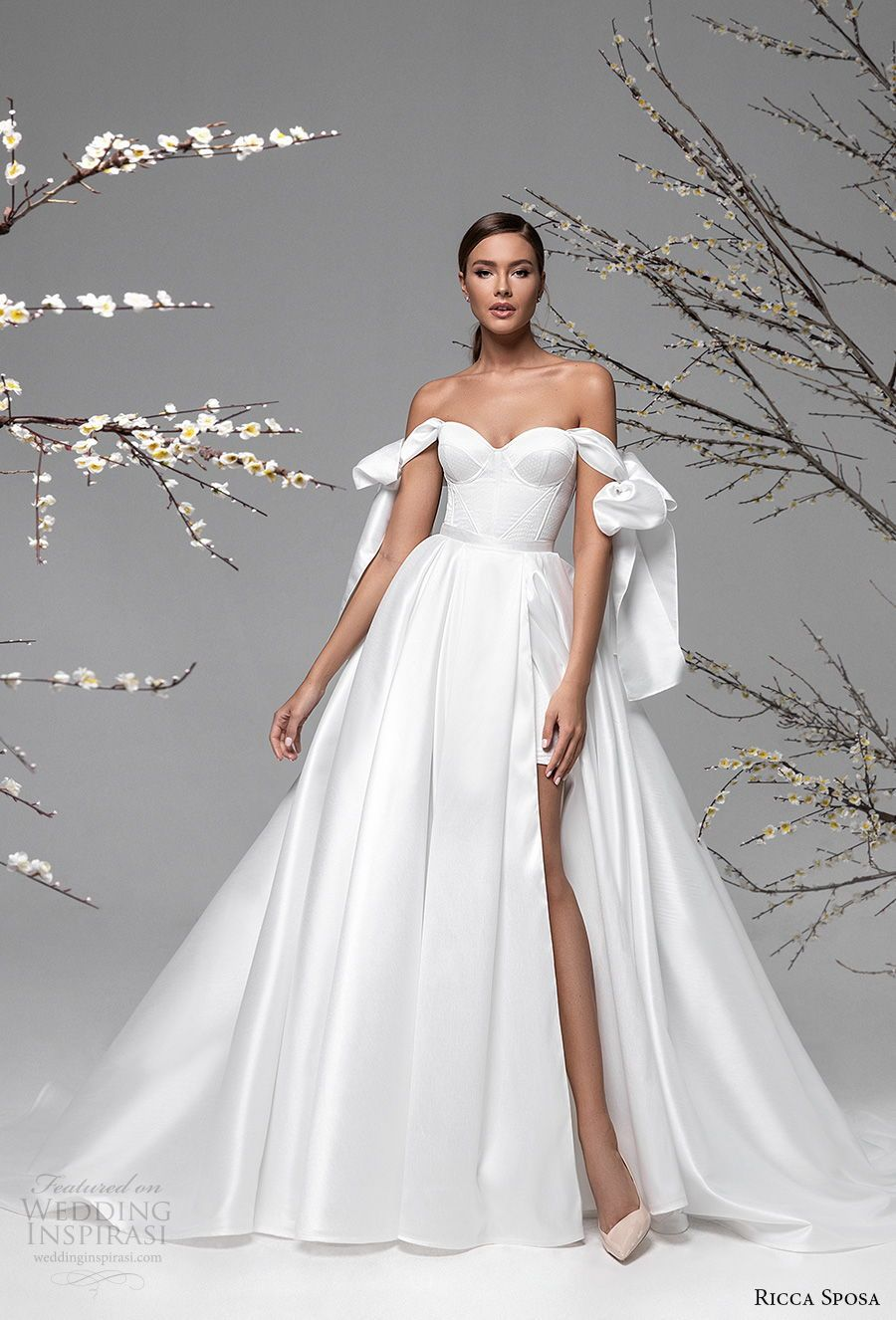 79 Beautiful Simple Wedding Gowns Off The Shoulder A Line Wedding Gown Weddingdress Wedding Simple Wedding Gowns Off Shoulder Wedding Dress Wedding Dresses [ 1572 x 777 Pixel ]