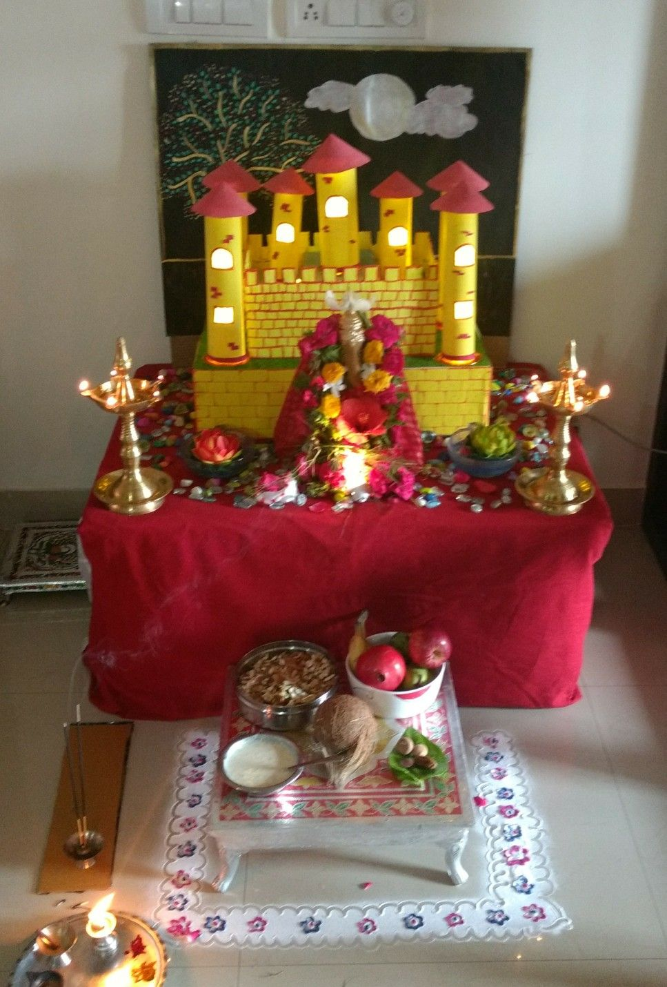 ganpati bappa yellow castle decoration