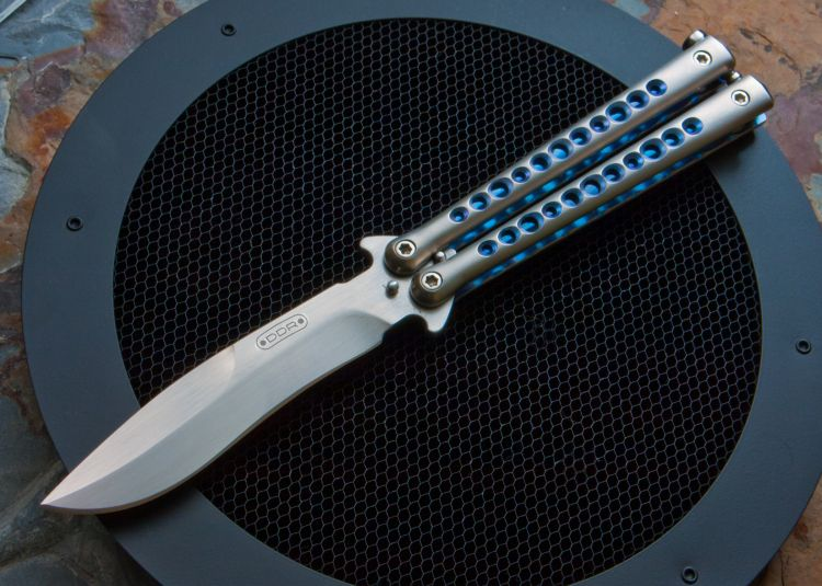 Balisong: The Fixed Blade That Folds