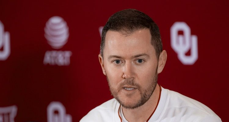 Lincoln Riley Bio Age Football Net Worth 2020 Height Wife Soccer Coaching Football Coach Of The Year