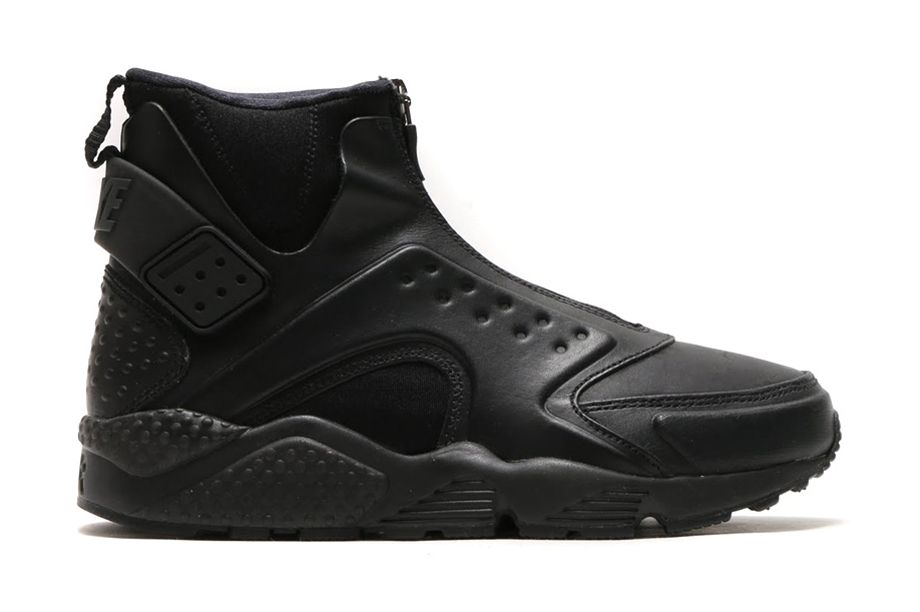 newest 22091 461ae If Michael Keatons Batman had swapped out his Air Trainer IIIs or Air  Jordan 6s for some Huaraches, they probably would have looked something  like Nike ...