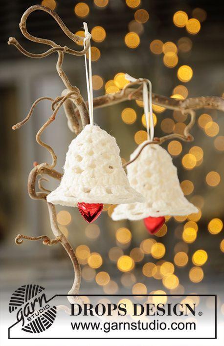 Jingle Bells / DROPS Extra 0-1446 - Gratis hækleopskrifter fra DROPS Design #hækletjul