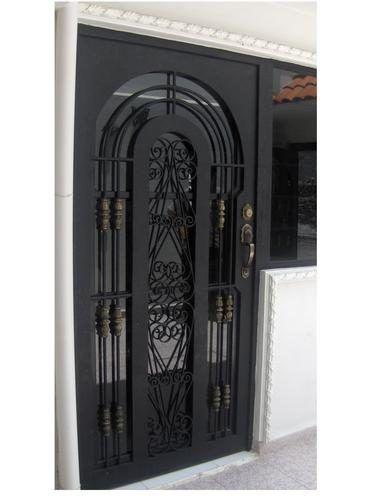 20 Entrada puertas de herreria