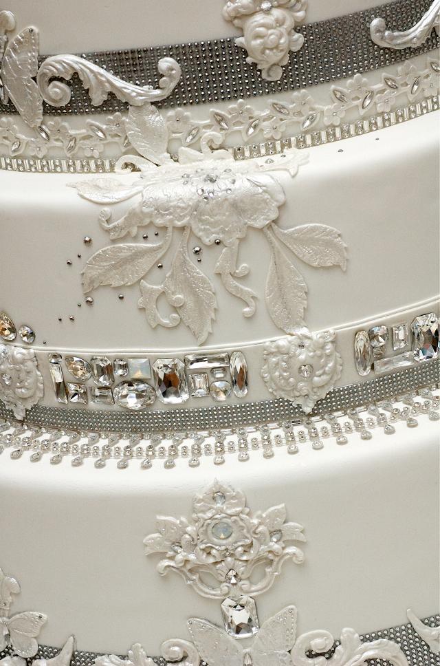 RON BENISRAEL GETS CRYSTALLIZED WITH 14000 WORTH OF SWAROVSKI - Ben Israel Wedding Cakes