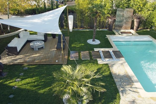 Le #jardin idéal entre son coin #salon et son coin #piscine ...