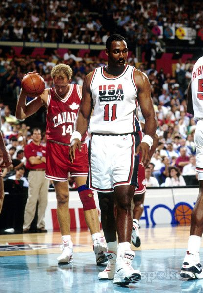 Pin By Aaron Goldsby On Sports Team Usa Basketball Dream Team Dream Team Basketball