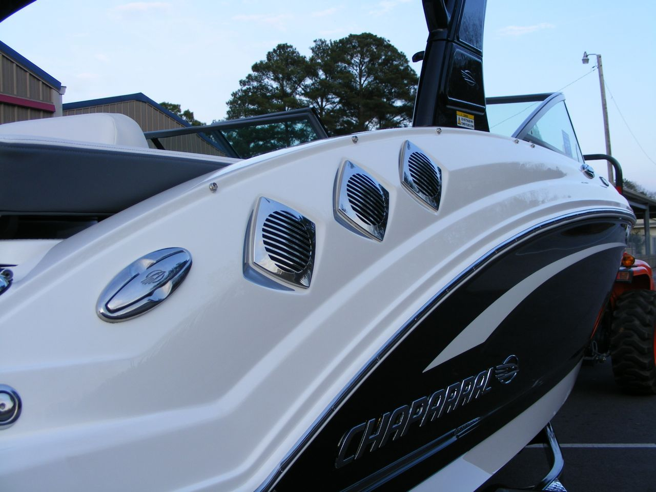 New Chaparral 226 SSi at Captain's Choice Marine | Chaparral