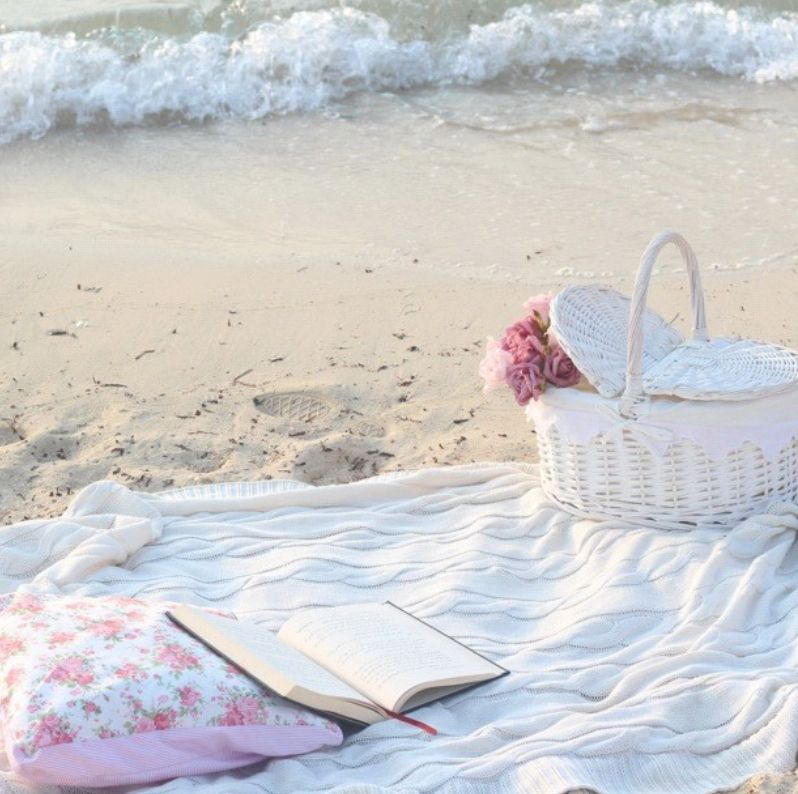 Shabby chic picnic on the beach by the ocean. ◖★Bella Montreal ★◗