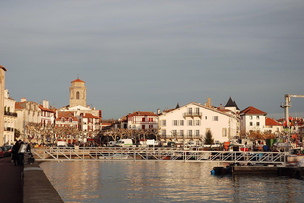 St Jean De Luz Pyrenees Atlantiques Le Port Pays Basque Pays Voyage