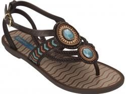 """***Women's 2013 Designer Fashion Styles***  Woman who is fond of attending formal parties and gatherings and like to follow the trend in every fashion wear. The biggest trend in fashion styles you can find at """"Flip Flop Online"""" lifestyle that values freedom, happiness and uniqueness.  http://www.flip-flop-online.com/"""