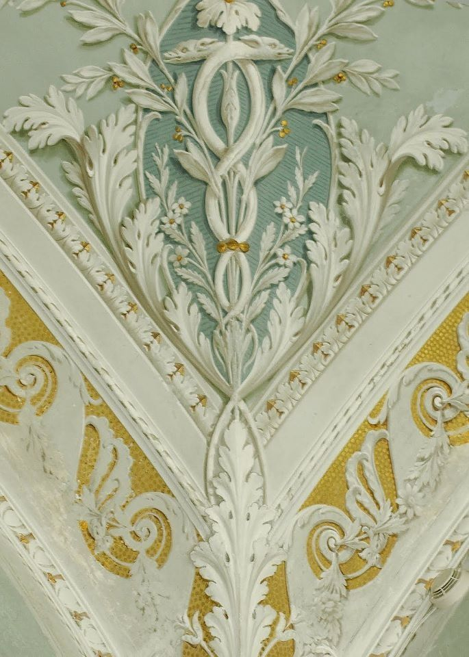 Baroque. Classic combination of colors. Comment by Leo Dowell Interiors