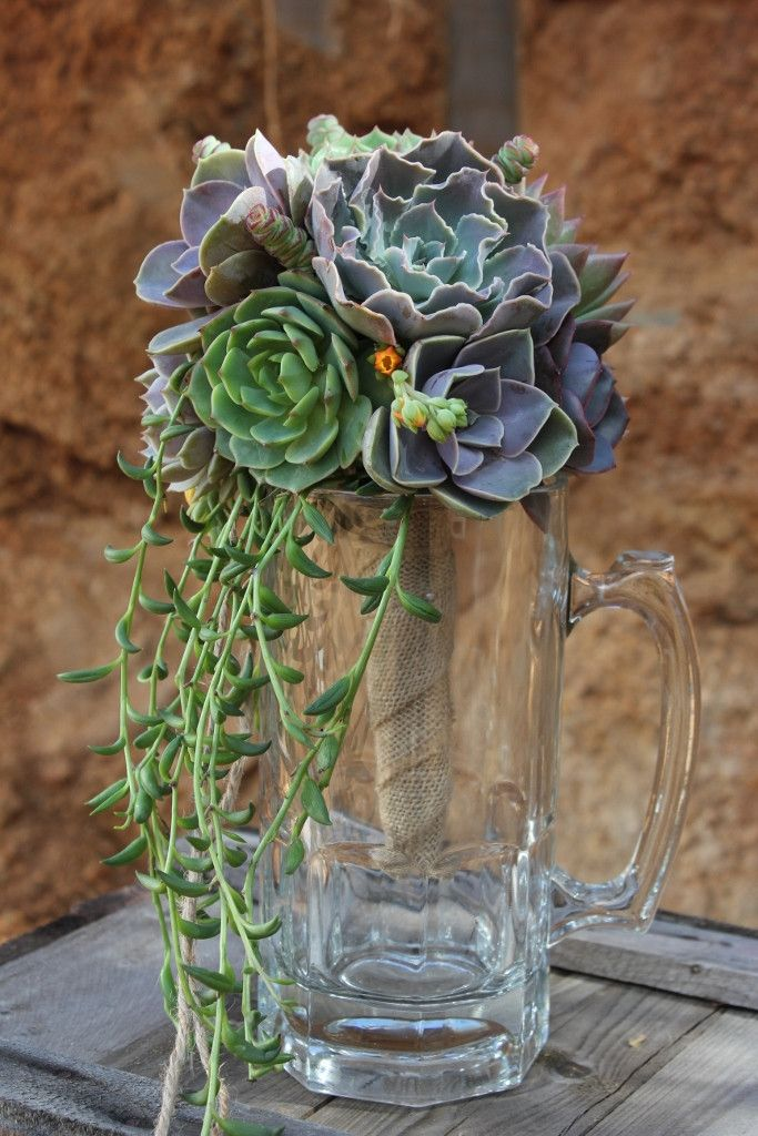 Succulent Bouquets (With images) Succulent bouquet