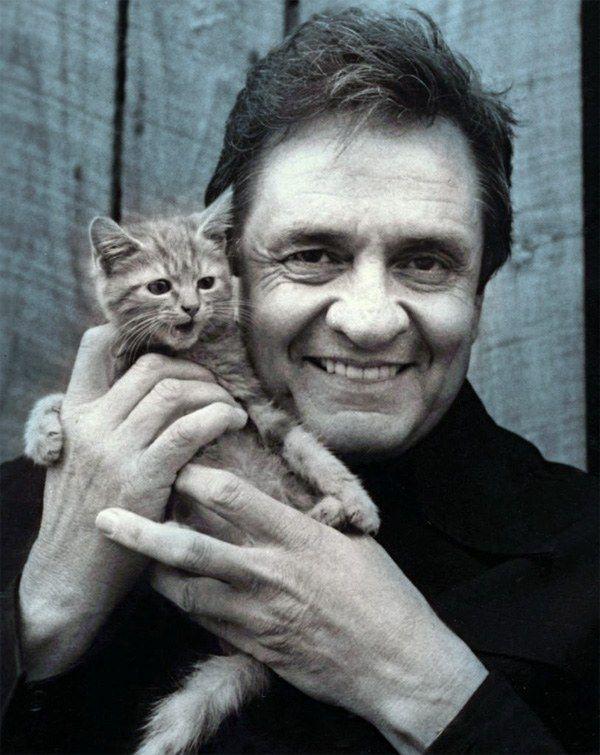 Редкие фотографии знаменитостей с котами — Rock Around The ...