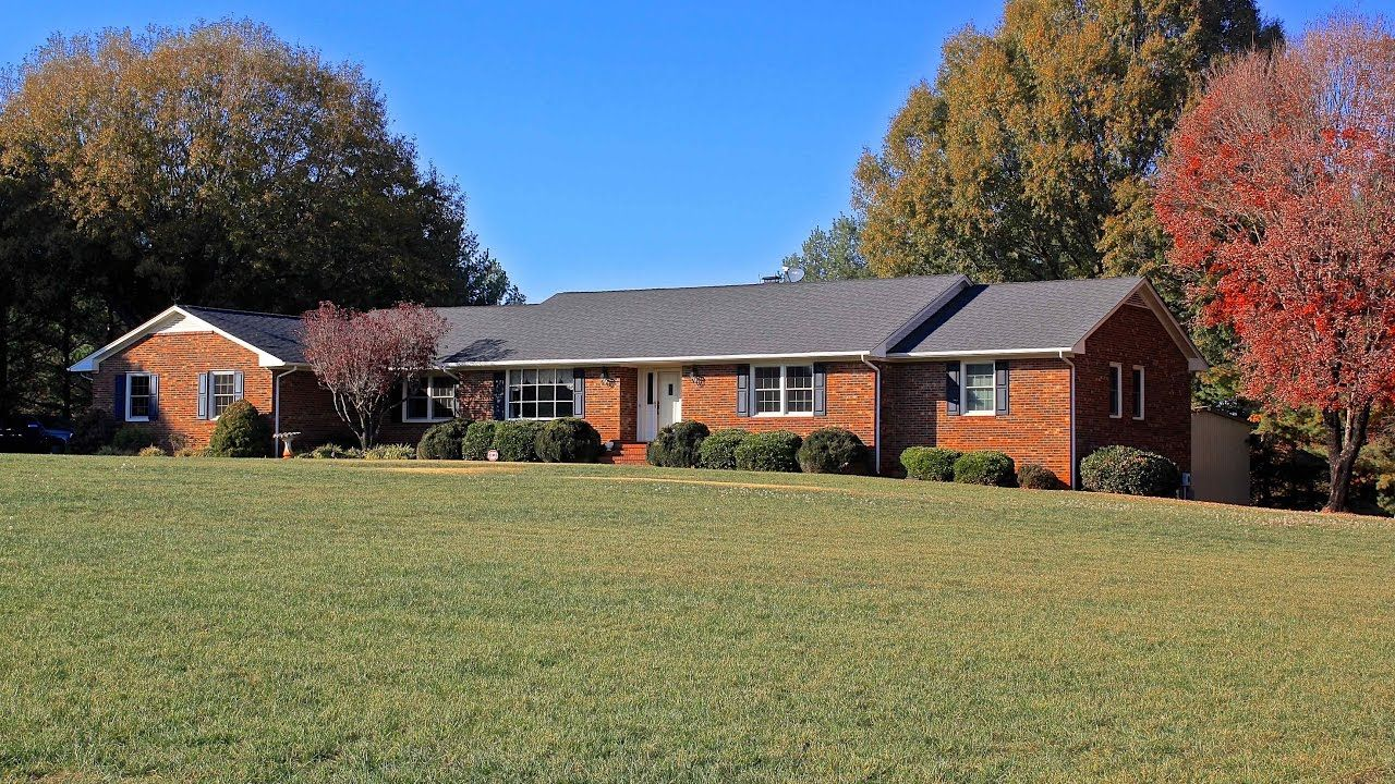 Great mini farm in Guilford County, Browns Summit, NC. 11