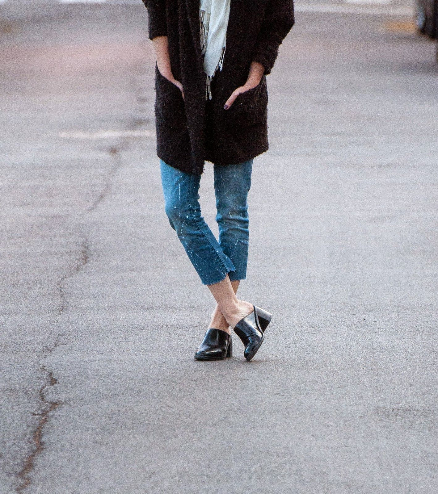 Rambles & Roses: Saturday Sweater #croppedjeans #loafers #topknot